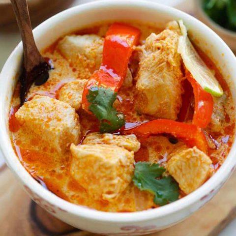Creamy Thai Coconut Chicken Soup (Instant Pot)