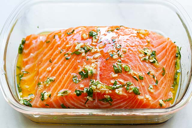 Salmon fillet in grilled salmon marinade.