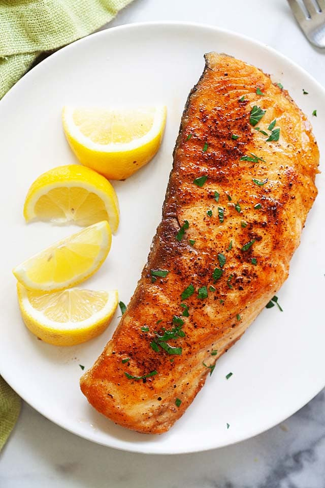 How to Cook Salmon (in a pan on the stove) - Rasa Malaysia